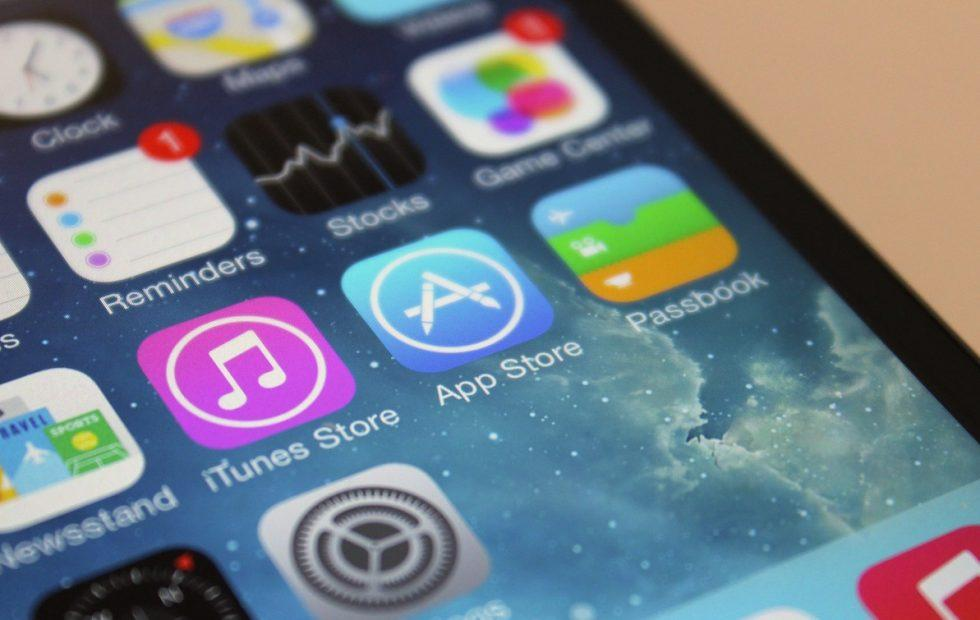 Apple starts banning scammy, misleading apps on iOS