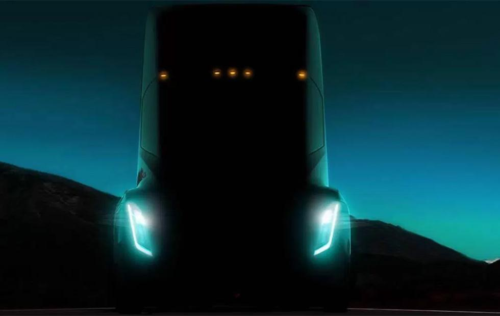 Tesla semi truck may be revealed on October 26 says Musk