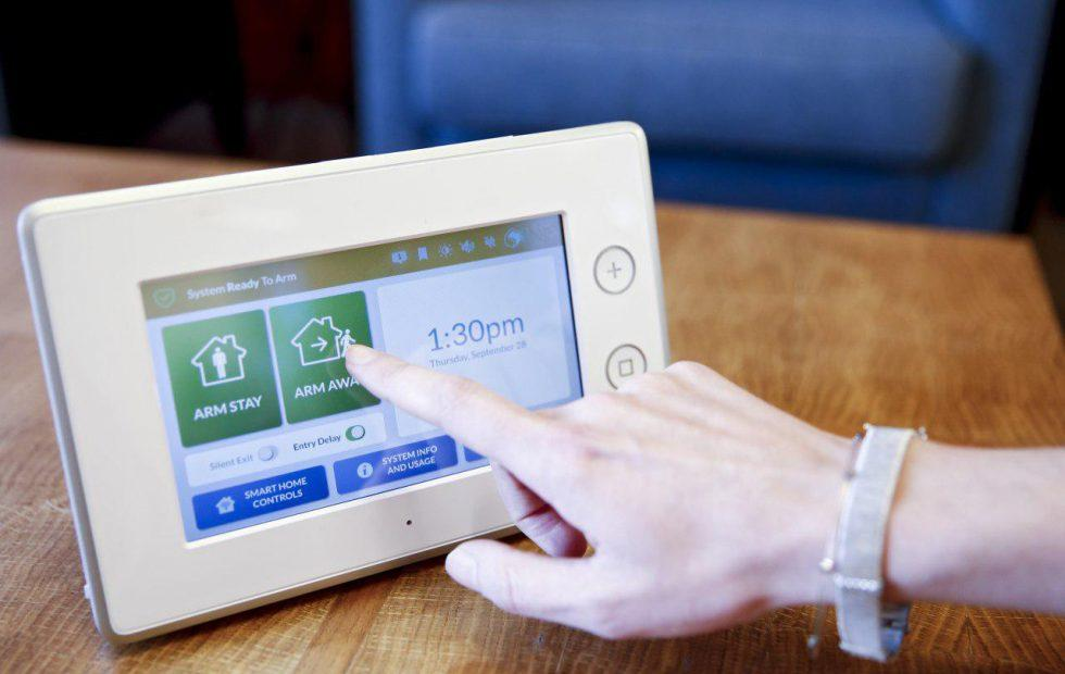 Samsung's ADT-powered security system is a SmartThings hub too