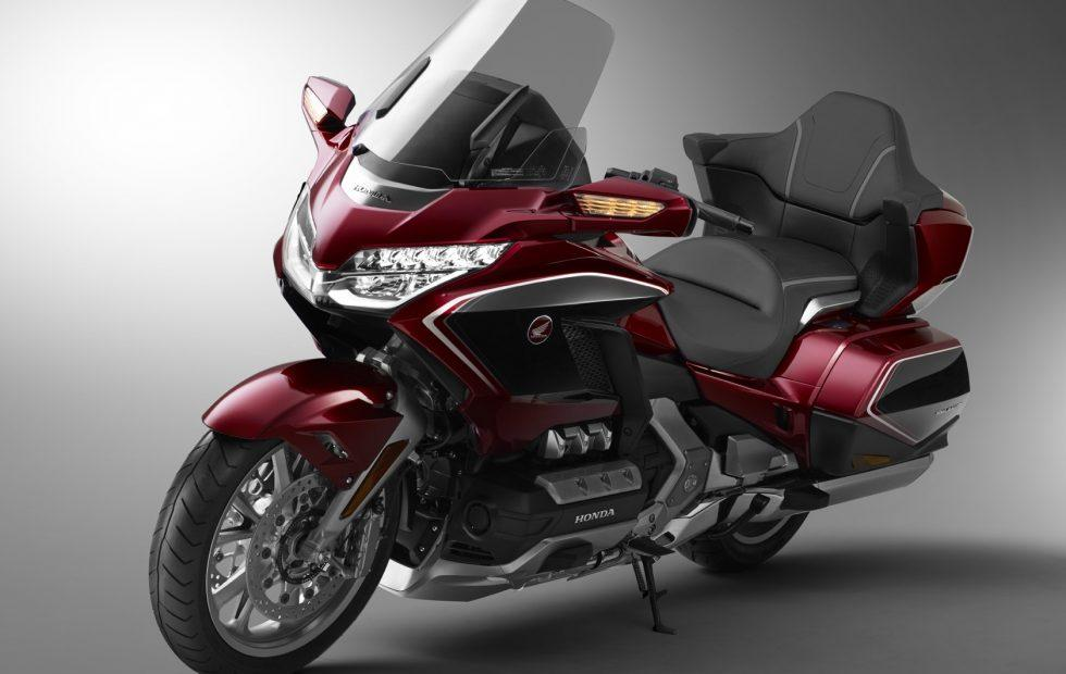 2018 Honda Gold Wing: Now even your bike has CarPlay