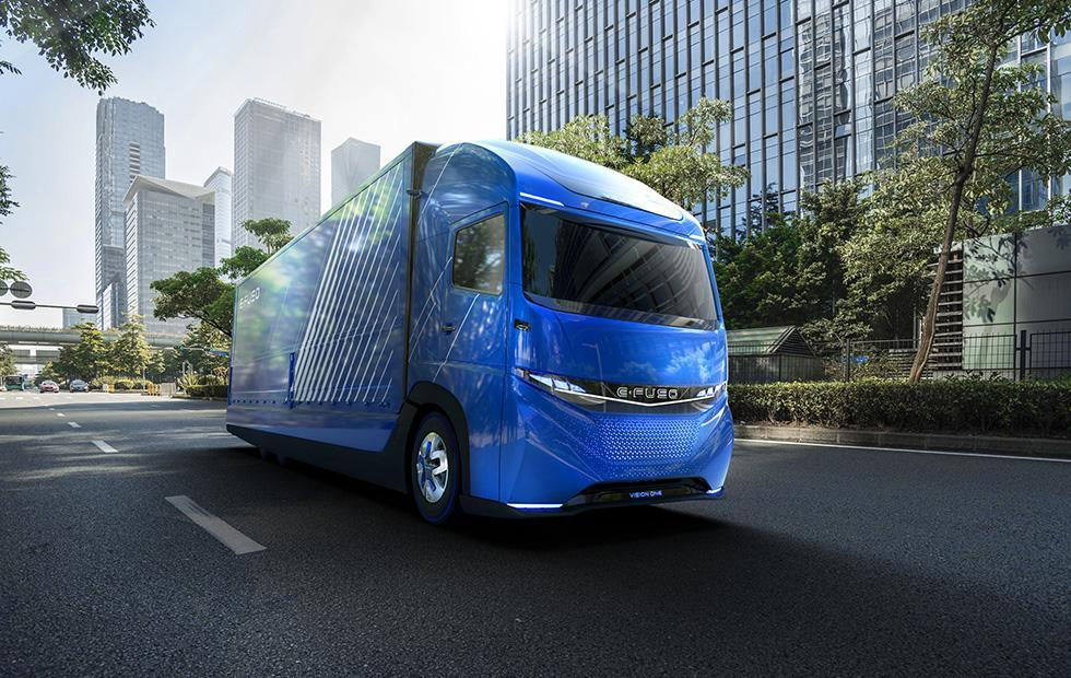 Daimler E-Fuso Vision One all-electric heavy duty truck has 220 mile range