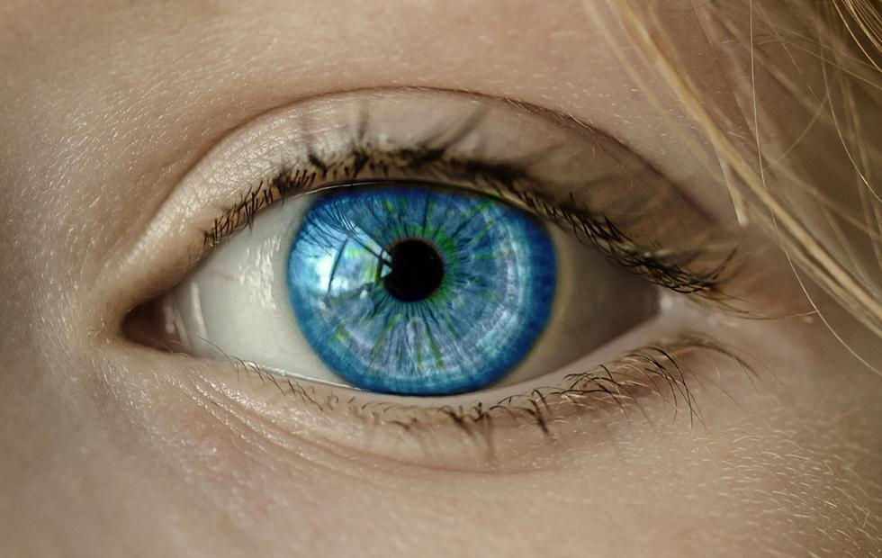 FDA considers gene therapy that may cure one type of blindness