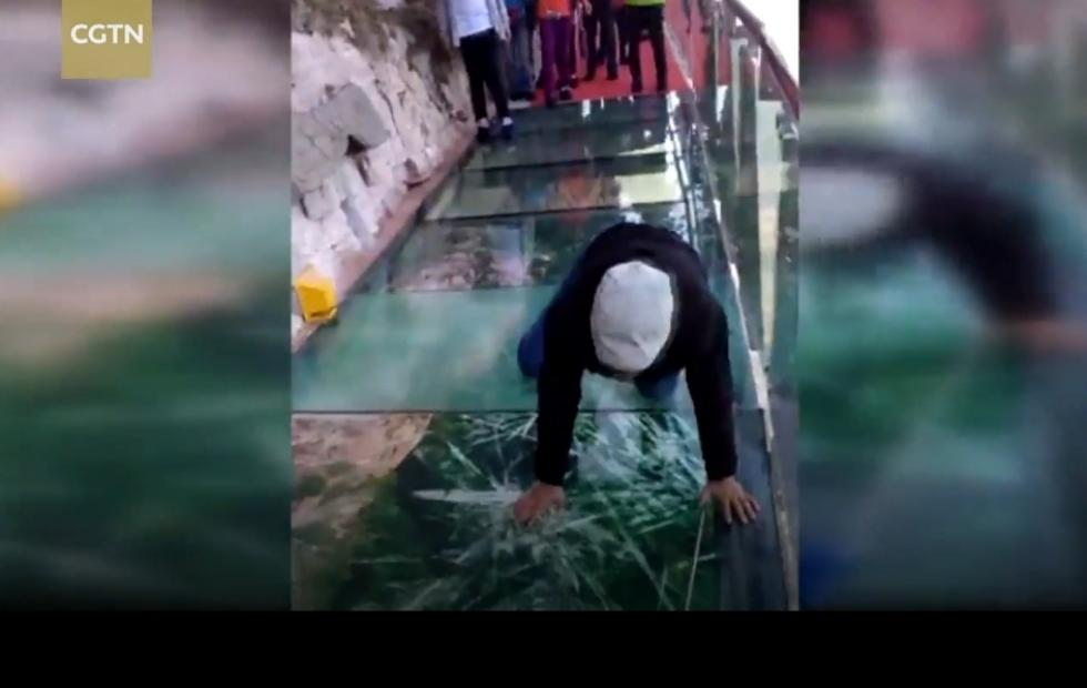 Fake cracking glass skywalk in China is a terrible prank