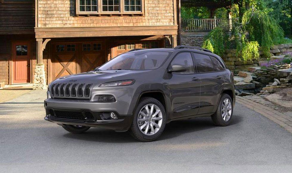 2018 Jeep Cherokee Latitude Tech Connect Package interfaces with Amazon Alexa