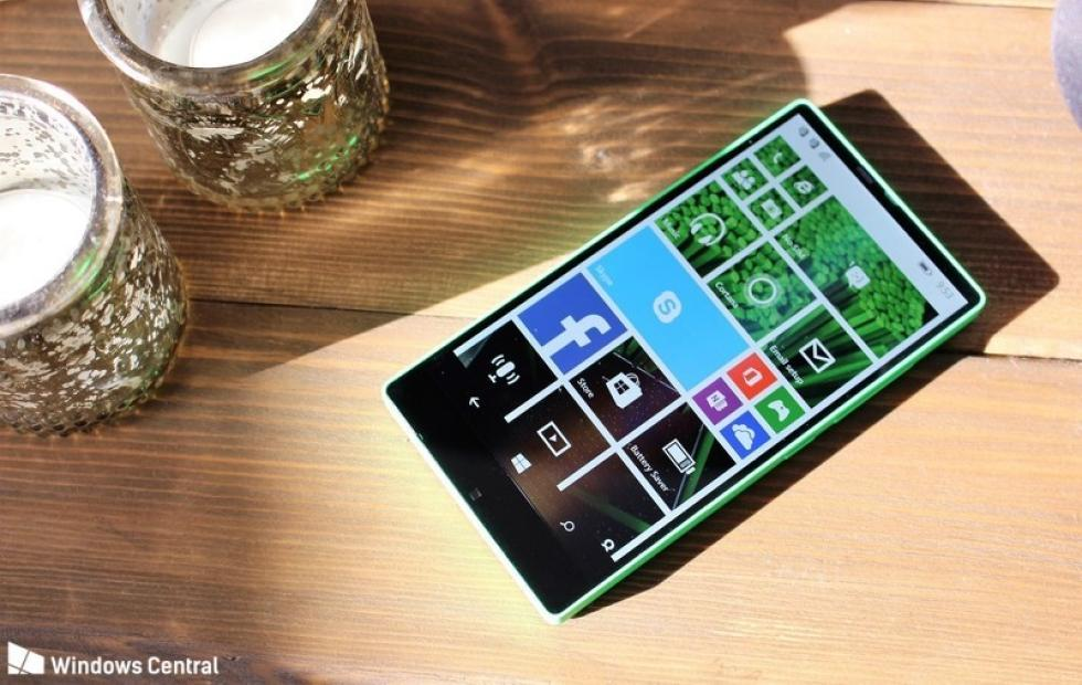 This is the bezel-less Microsoft Lumia 435 that never was