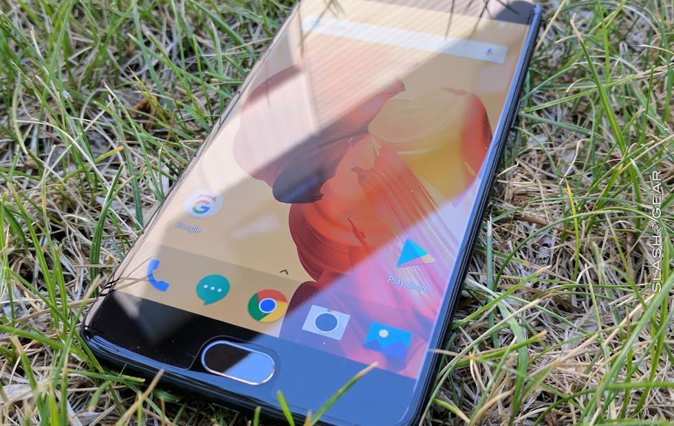 OnePlus 5T renders leak, pairing rear fingerprint sensor with Galaxy S8 design