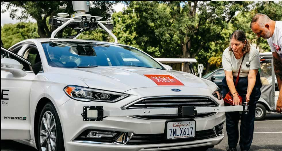 Voyage rolls out first driverless car at retirement community