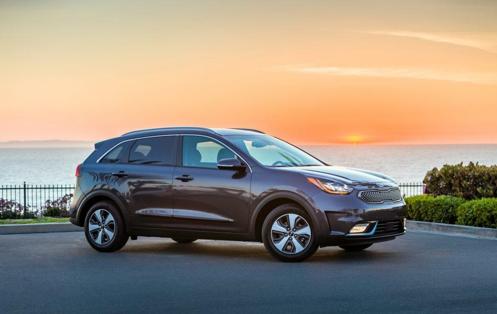 Kia brings 2018 Niro PHEV and 2019 Sorento 3-row to LA