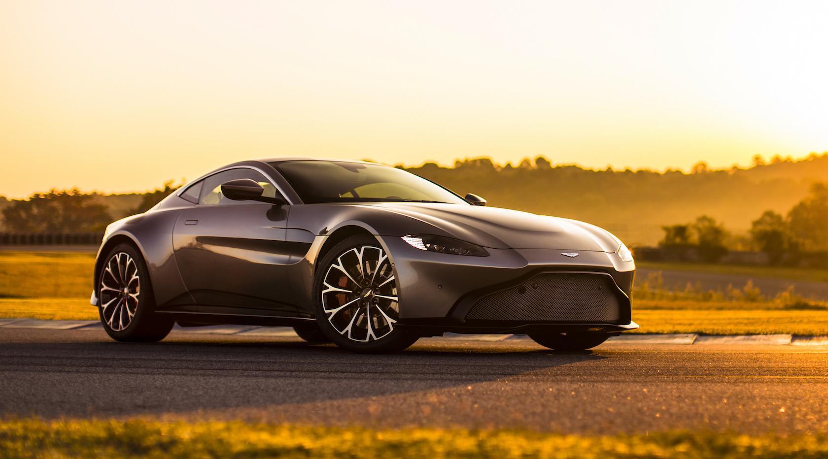 5 Fast Facts About The Stunning 2019 Aston Martin Vantage Slashgear