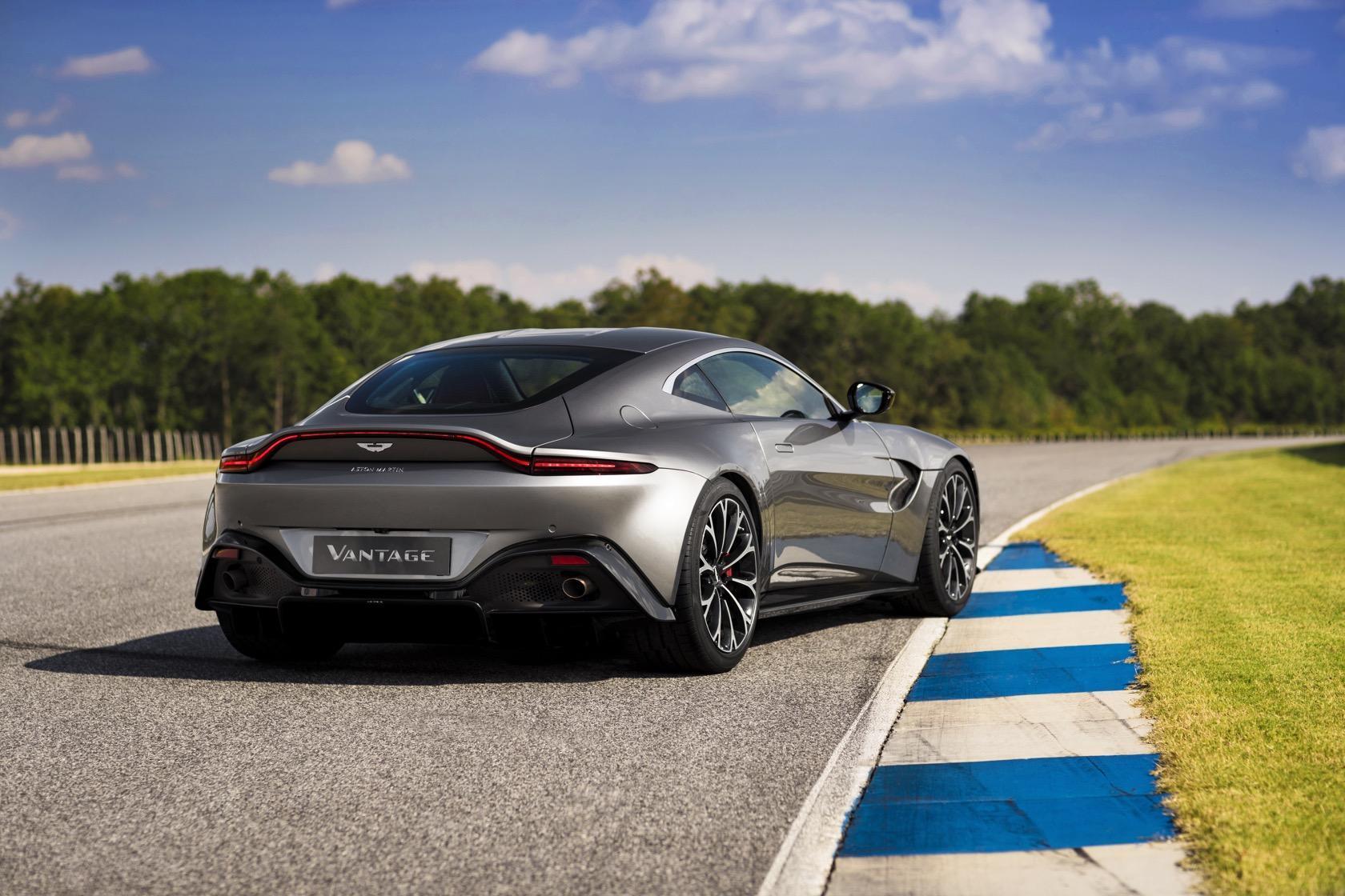 The 2019 Aston Martin Vantage Is Jaw Dropping Slashgear