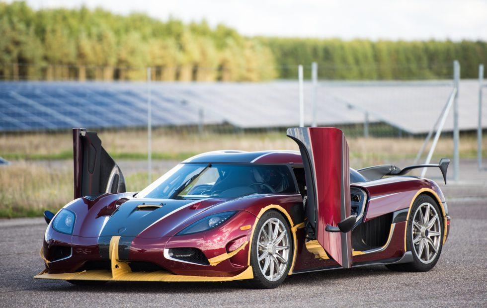 Koenigsegg Agera RS crushes Bugatti's production car speed record