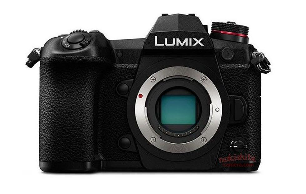 Panasonic Lumix G9 leaked with Leica 200 mm lens