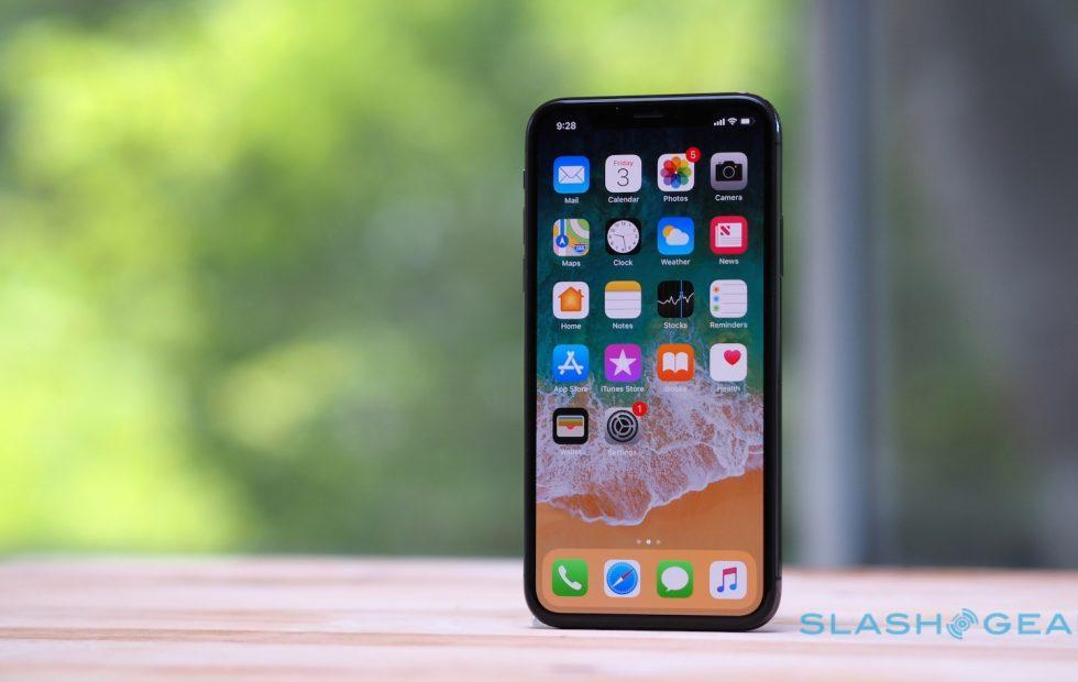 iOS 11.1.2 release fixes iPhone X cold screen issue