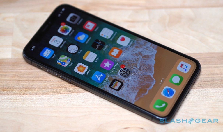 Apple warns of iPhone X OLED burn-in