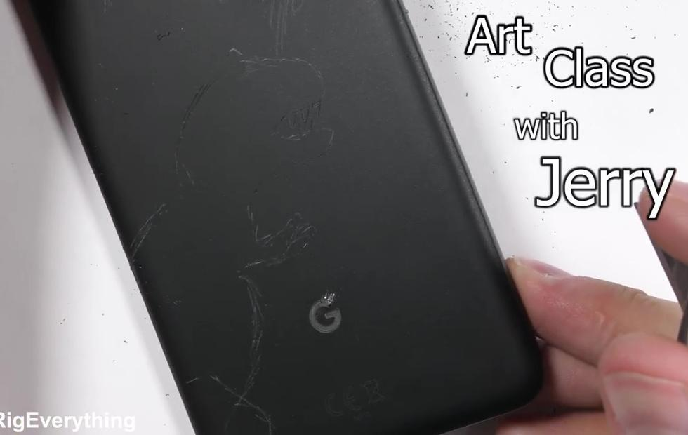 Pixel 2 XL doesn't crack when bent, fingerprint scanner survives scratches