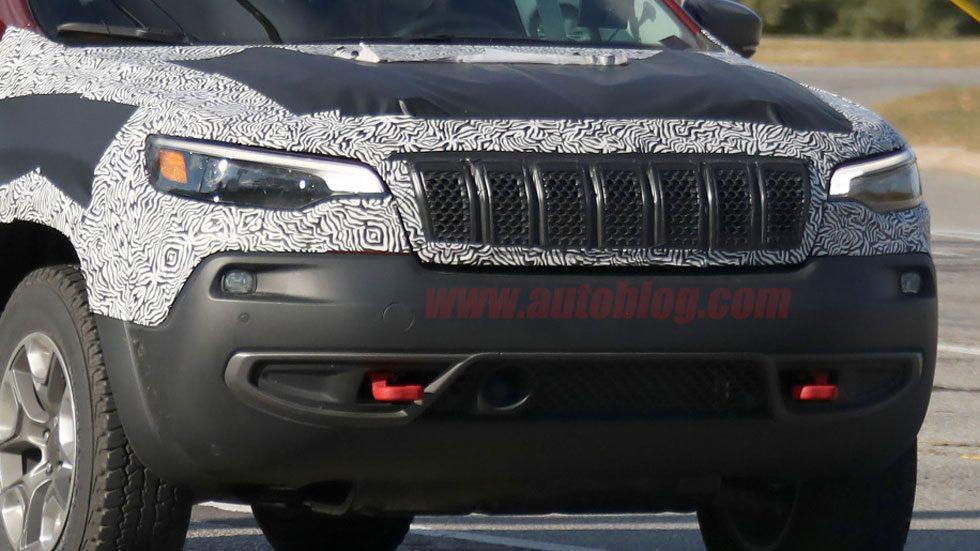 2019 Jeep Cherokee's new schnoz is uncovered