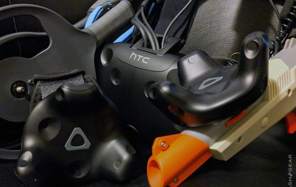 HTC VIVE Tracker Review with Gun, Straps, and Paddles - SlashGear