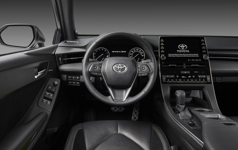 Toyota CarPlay support arrives in 2019 Avalon