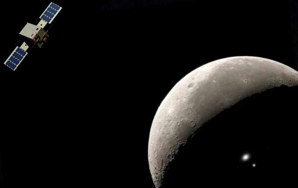 Two CubeSats will explore moon's dark side for ESA missions