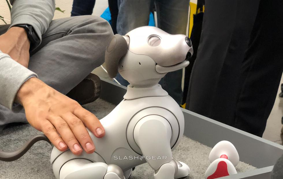 Sony Aibo hands-on at CES 2018: In the USA to make us envious