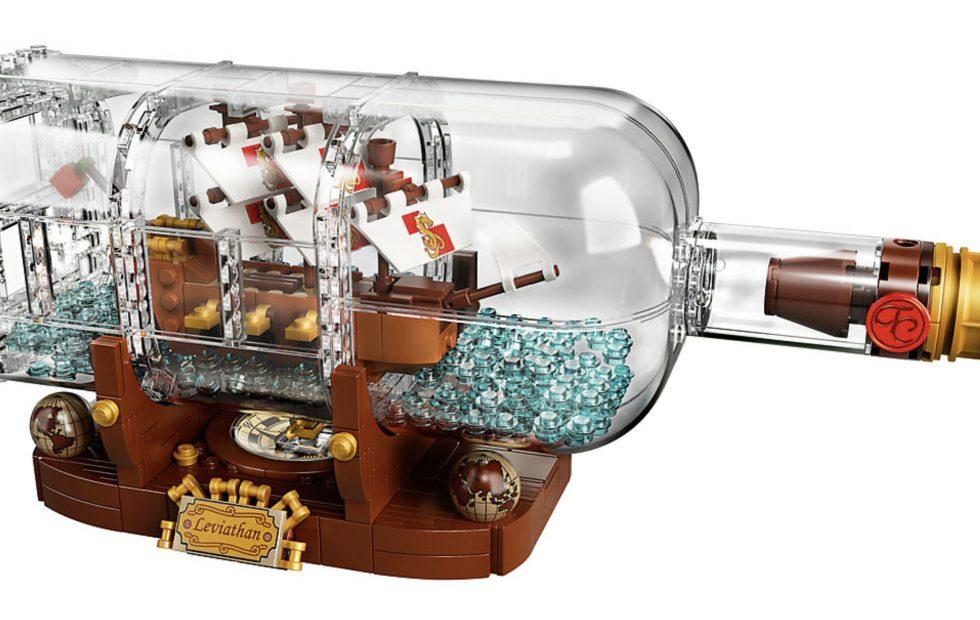 LEGO Ship in a Bottle is a minimalistic masterpiece