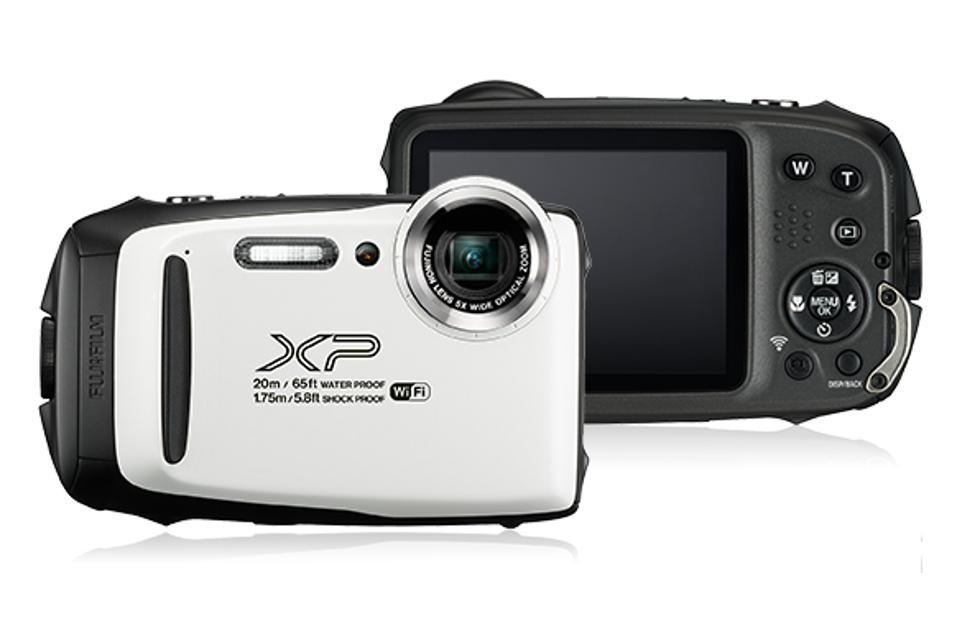 Fujifilm FinePix XP130 adds Bluetooth to a rugged compact camera