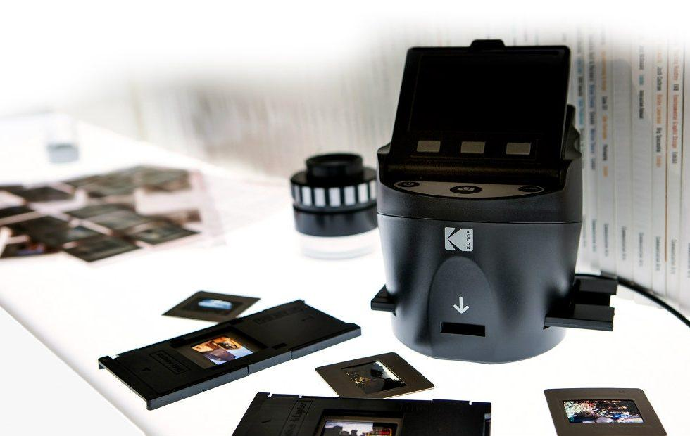 Kodak Scanza turns your old film negatives into digital images