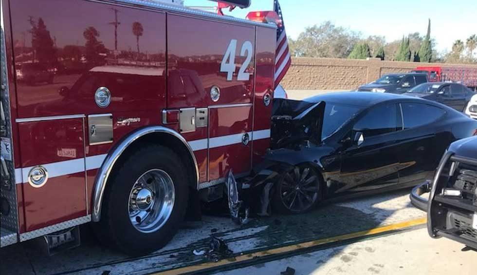 Tesla allegedly on autopilot smashes into bright red firetruck in California
