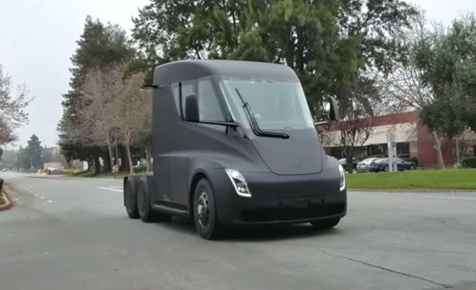 Tesla Semi spotted silently cruising the wild