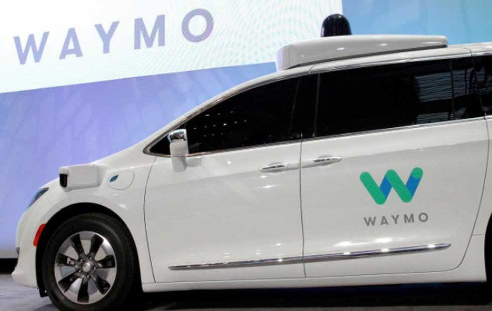 "FCA and Waymo expand partnership with ""thousands"" of Pacifica hybrid vans"