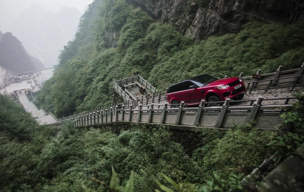 Range Rover Sport is the first vehicle to climb Heaven's Gate