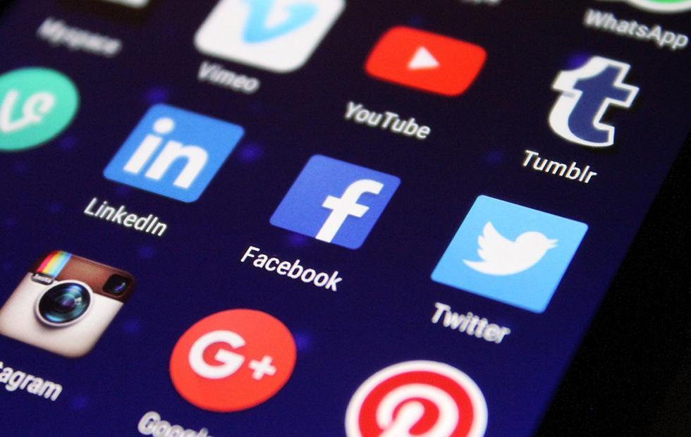Facebook Jobs goes huge and LinkedIn should be terrified