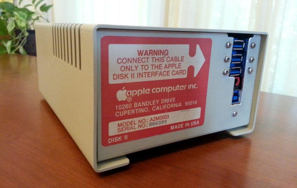 Apple Disk II floppy drive is a Blu-ray/DVD drive in disguise