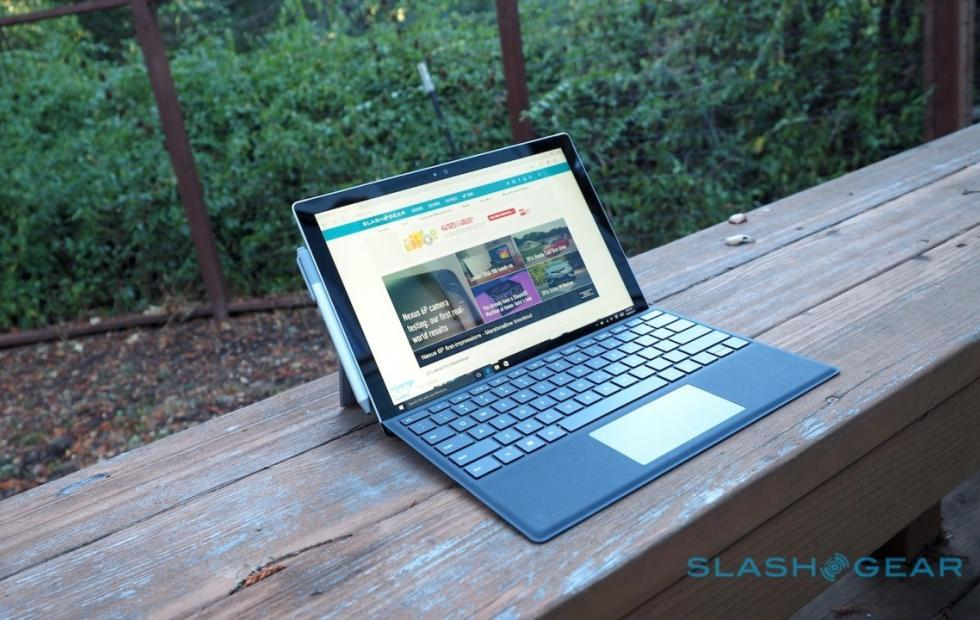 Surface Pro 4 flickering screen problem remains unsolved