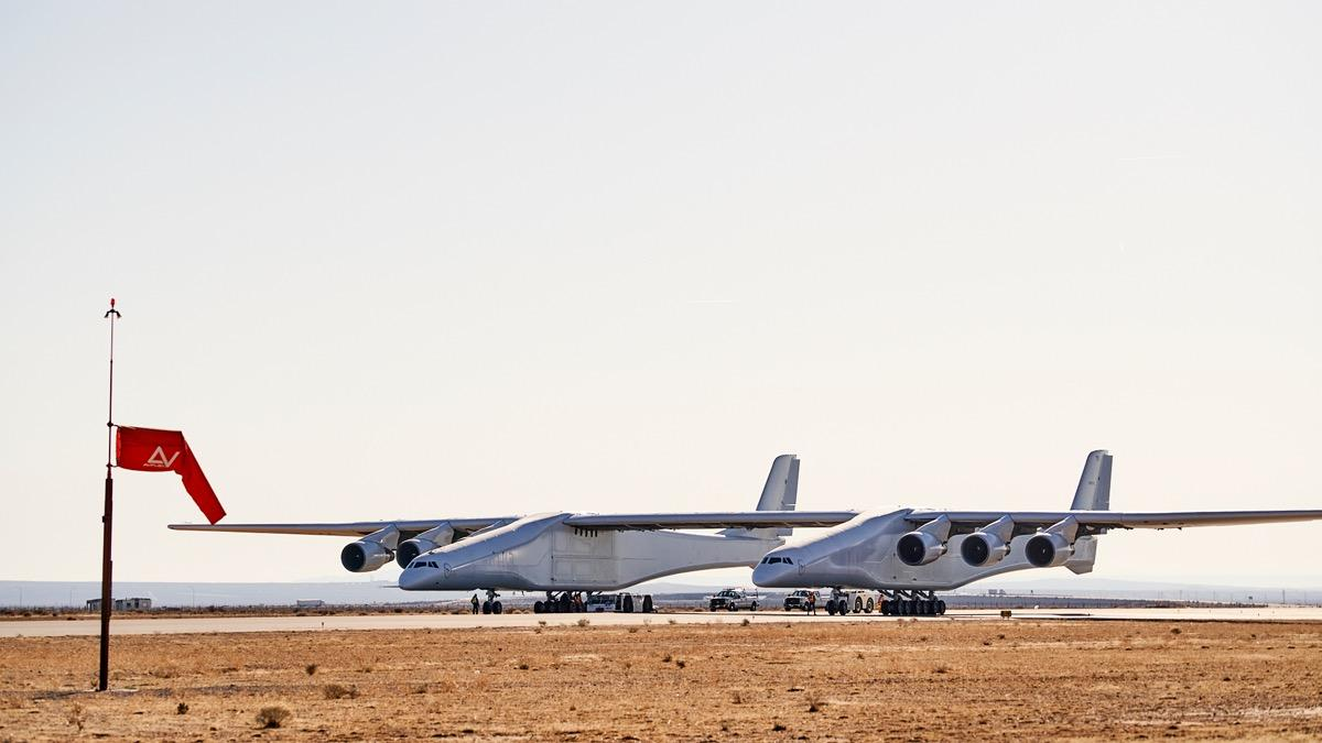 Stratolaunch's spaceship-launching plane just aced its