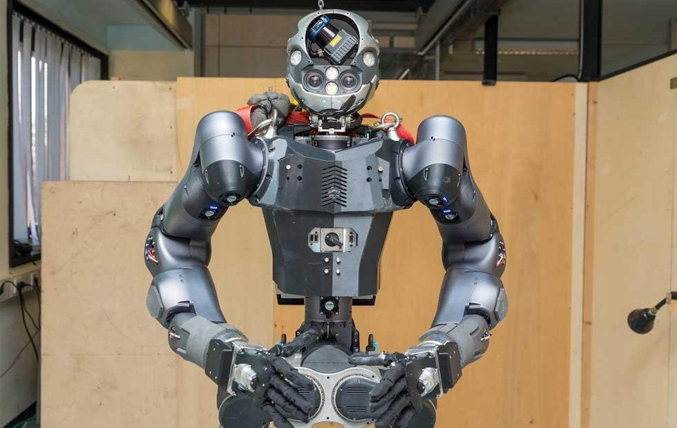 Newly updated Walk-Man robot is better at putting out fires