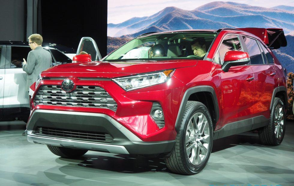 2019 Toyota RAV4 first look: SUV bestseller gets new AWD, CarPlay, more