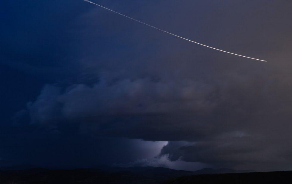 Meteor size of minivan caused booming fireball over Washington