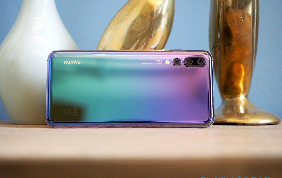 Huawei CEO makes defiant US commitment