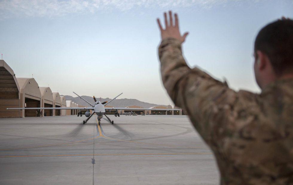 Furious staff demand Google denounce war AI