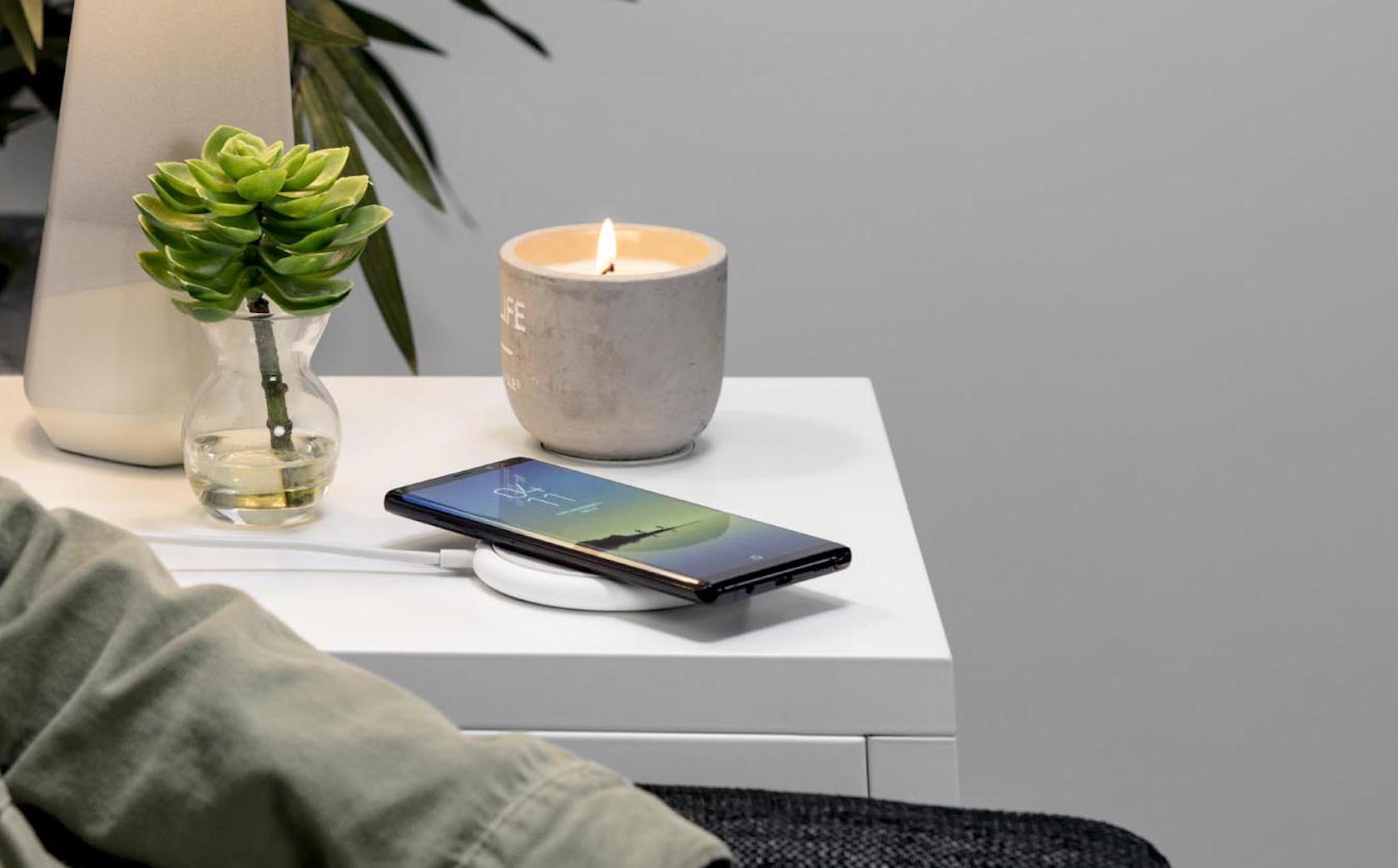 best website 8ea0a 2d91c Mophie's Charge Stream Pad+ is a 10W wireless charger - SlashGear
