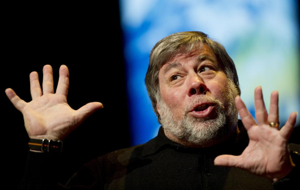 Woz drops Facebook, willing to pay for ad-free option