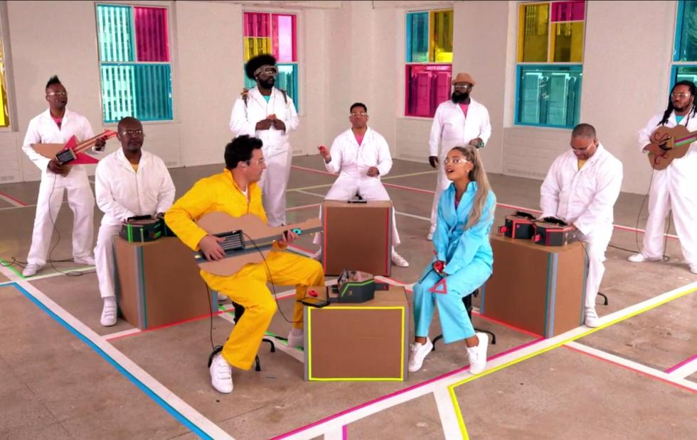 Nintendo Labo, Ariana Grande, The Roots, Fallon make a music video
