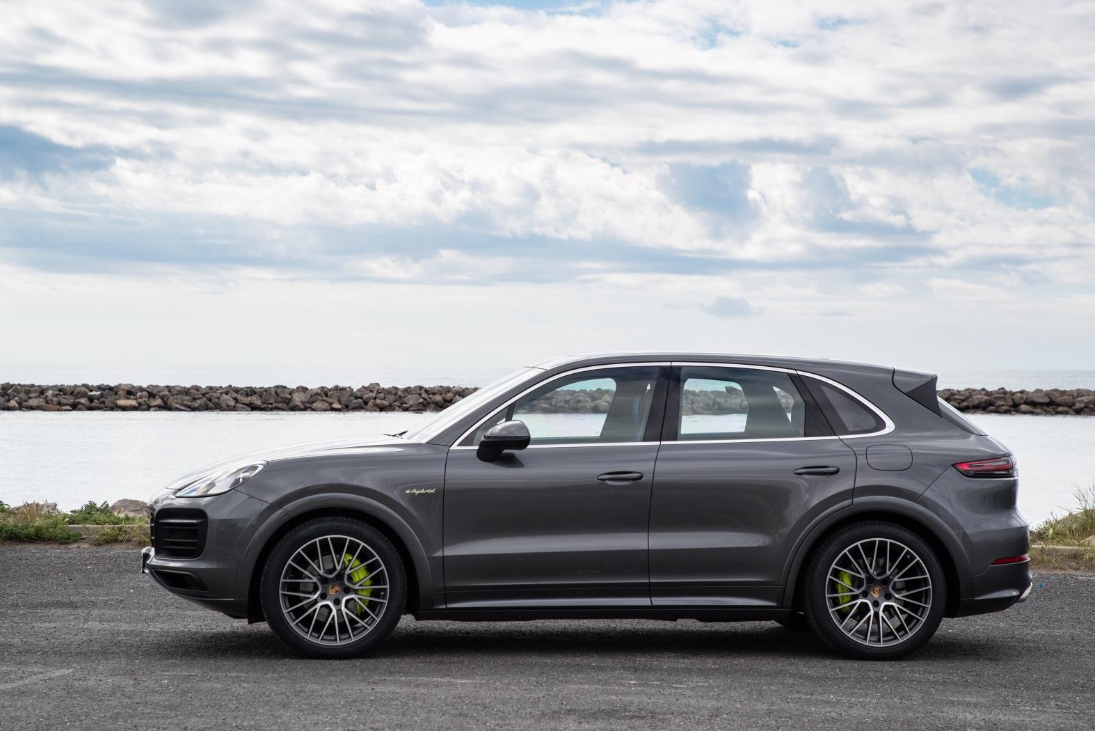 2019 Porsche Cayenne E-Hybrid first-drive: ticks all the