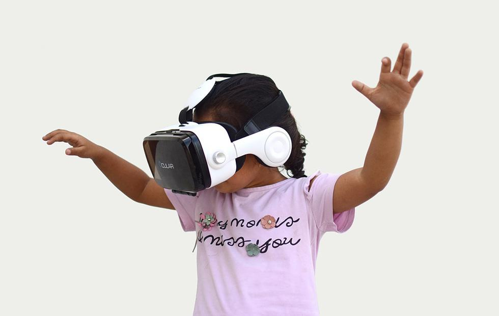 Virtual reality headsets make it easier to give kids shots