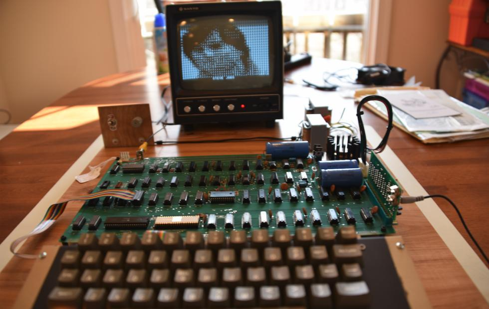 Rare Apple-I in working condition hits charity auction