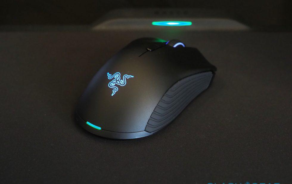 Microsoft looks to Razer for Xbox One keyboard and mouse support