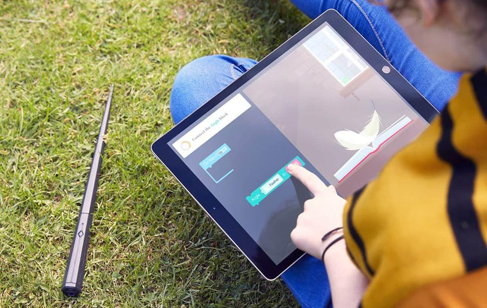 Harry Potter Kano Coding Kit teaches kids to code a magic wand