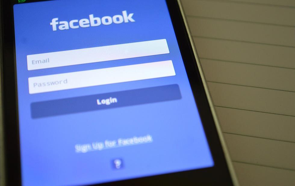 Facebook plans personalized navigation bar for mobile apps