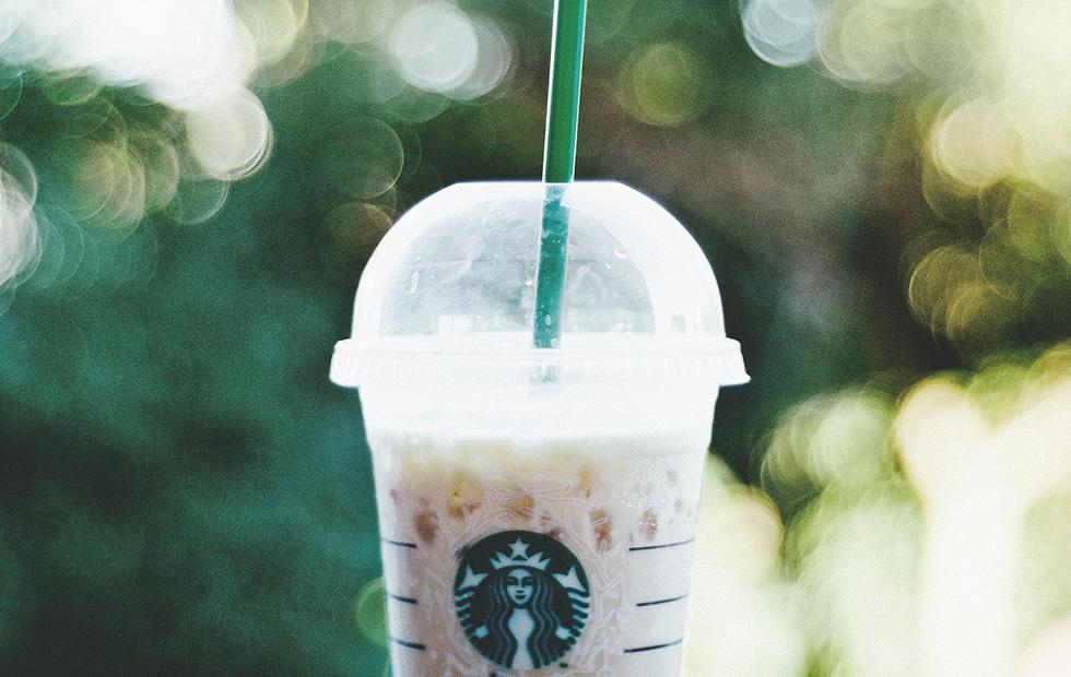 Starbucks 2020 single-use straw ban targets plastic waste